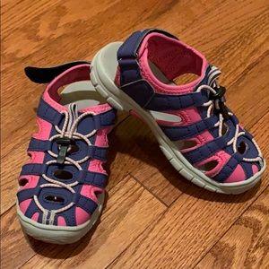 Khombu Girls Water 💦 Shoes. Size 13.